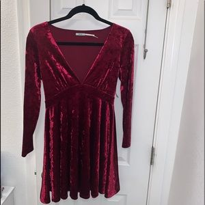 NWT! Wine / Maroon Velvet Plunge Dress Size Small